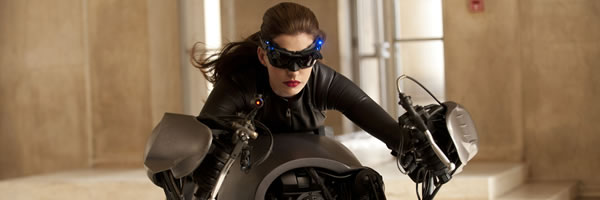 dark-knight-rises-movie-image-catwoman-anne-hathaway-slice-01