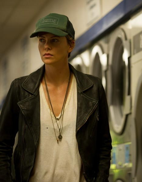 dark-places-charlize-theron