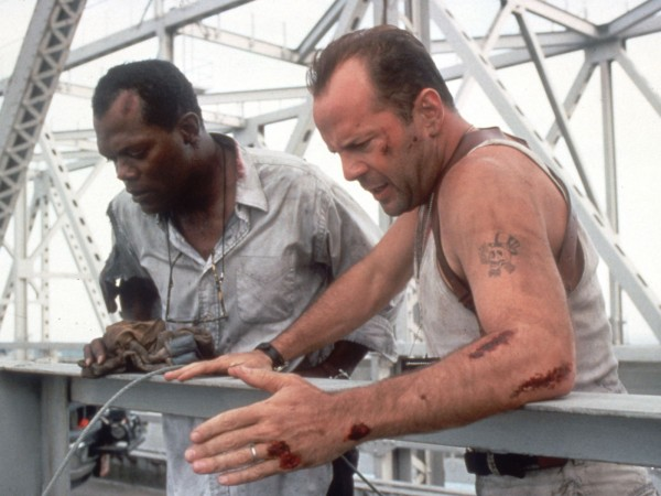 die-hard-with-a-vengeance-bruce-willis-samuel-l-jackson-1