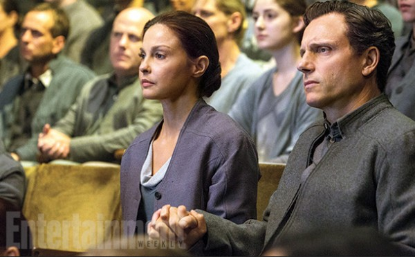 divergent-ashley-judd-tony-goldwyn