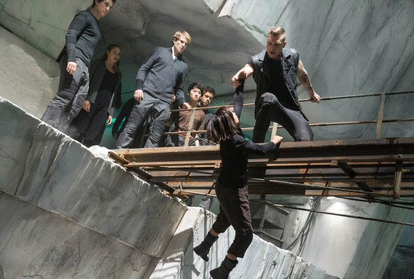 divergent-jai-courtney-zoe-kravitz