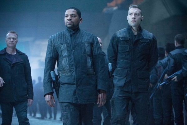 divergent-mekhi-phifer-jai-courtney