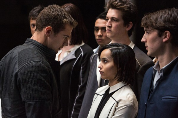 divergent-zoe-kravitz-theo-james