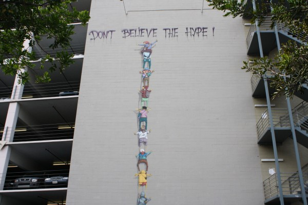 dont-believe-the-hype-banksy-1