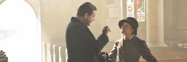 downton-abbey-season-3-brendan-coyle-joanne-froggatt-slice