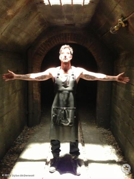 dylan-mcdermott-american-horror-story-asylum