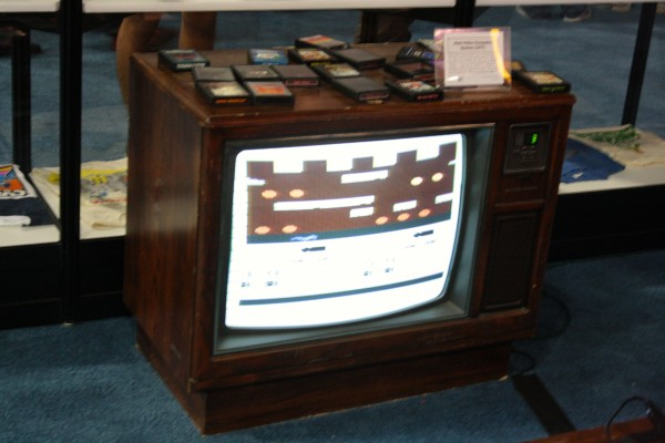 e3-vintage-gaming-tv