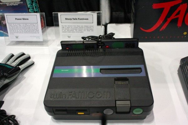 e3-vintage-gaming-twin-famicom