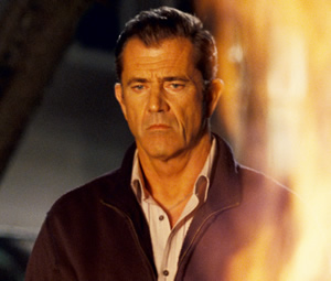 edge_of_darkness_movie_image_mel_gibson_fire