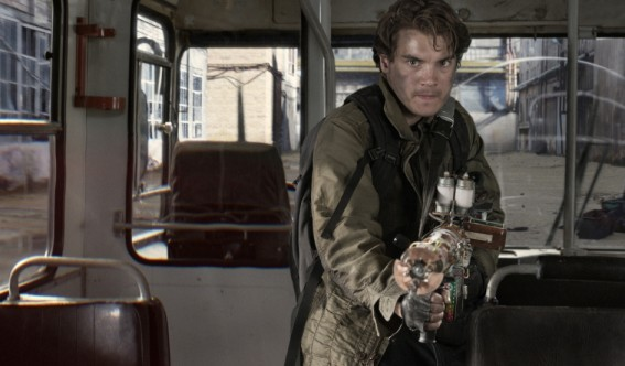 emile-hirsch-the-darkest-hour-movie-image-1