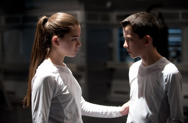 enders-game-hailee-steinfeld-asa-butterfield
