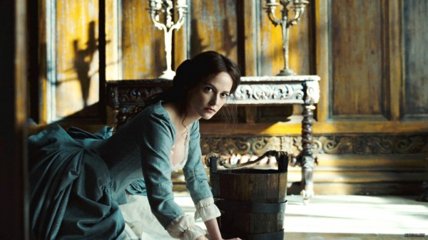 eva-green-dark-shadows-movie-image-2