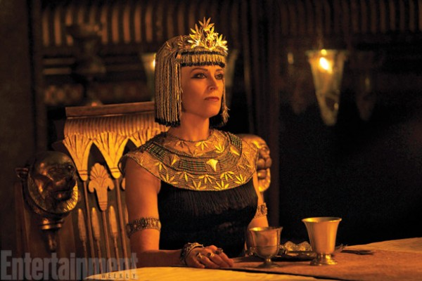 exodus-gods-and-kings-sigourney-weaver