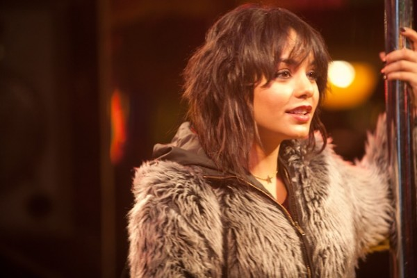 frozen-ground-movie-image-vanessa-hudgens
