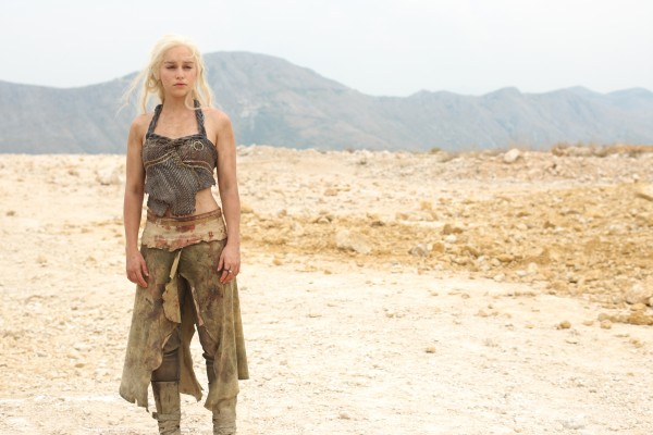 game-of-thrones-season-2-emilia-clarke-2