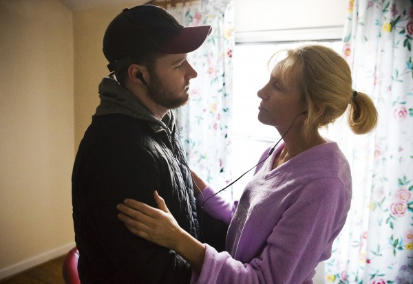 glassland-toni-collette-jack-reynor