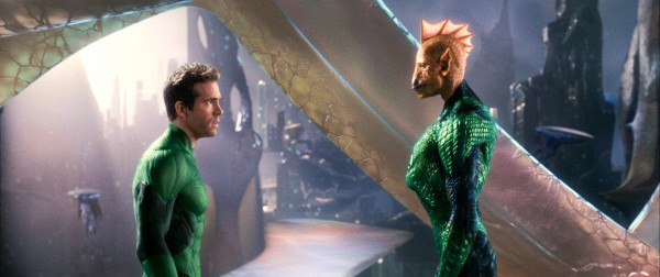 green-lantern-movie-image-ryan-reynolds-tomar-re-01
