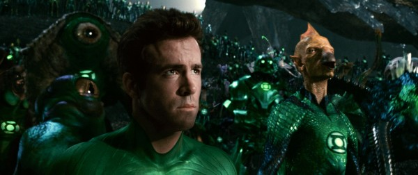 green-lantern-movie-image-ryan-reynolds-tomar-re-02
