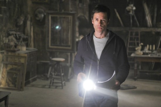 guy-pearce-dont-be-afraid-of-the-dark-image-2