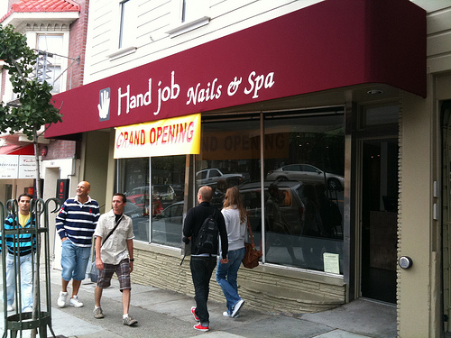 hand-job-nails-spa-sign