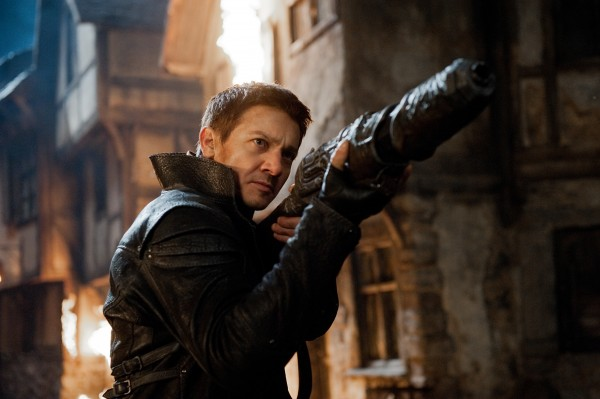 hansel-and-gretel-witch-hunters-jeremy-renner