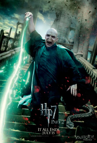 harry-potter-deathly-hallows-2-movie-poster-ralph-fiennes-01