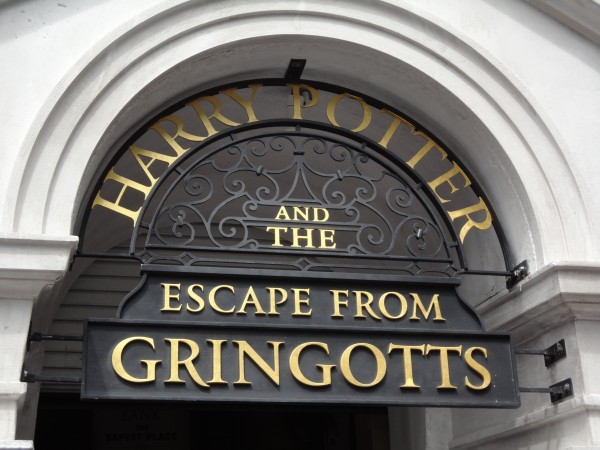 harry-potter-diagon-alley-escape-from-gringotts