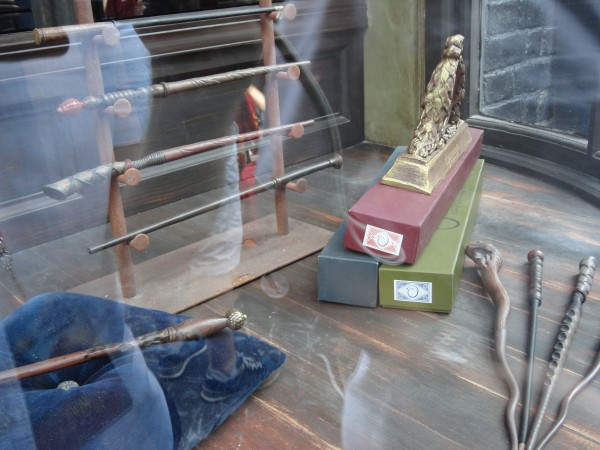 harry-potter-diagon-alley-gregorovitch-wands