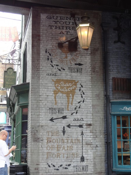 harry-potter-diagon-alley-universal-studios-sign