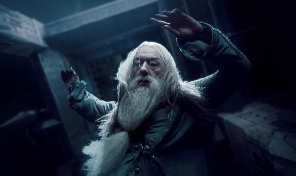 harry_potter_and_the_deathly_hallows_movie_image_michael_gambon_01