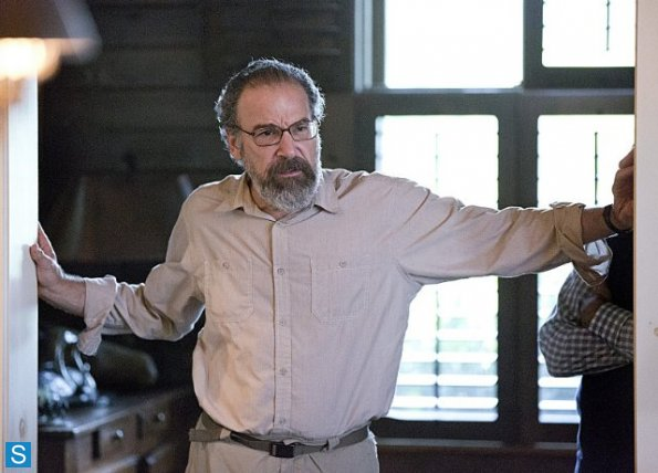 homeland-yoga-play-mandy-patinkin