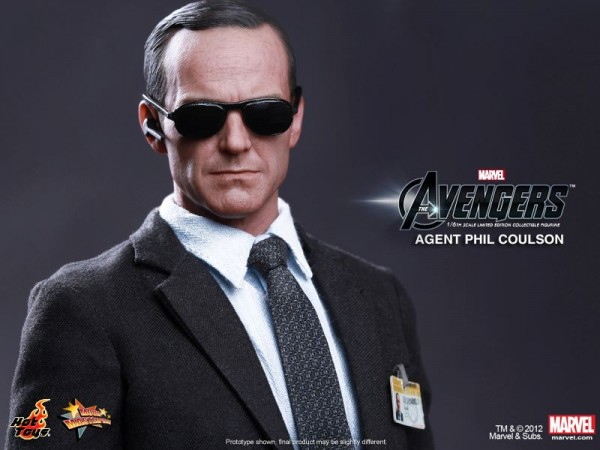 hot-toys-avengers-phil-coulson