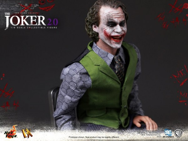 hot-toys-joker-the-dark-knight-heath-ledger-figure (19)