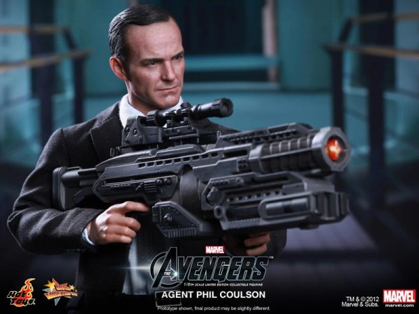 hot-toys-phil-coulson-avengers