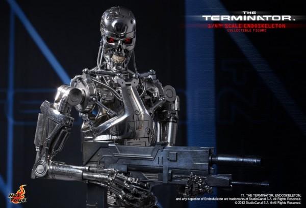 hot-toys-terminator-endoskeleton