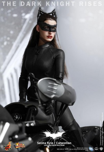 hot-toys-the-dark-knight-rises-selina-kyle-catwoman