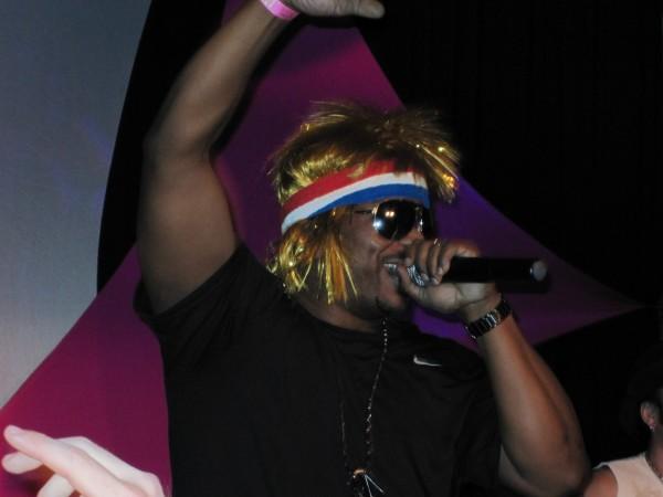 hot_tub_time_machine_lake_tahoe_80s_party_craig_robinson_jesses_girl_07