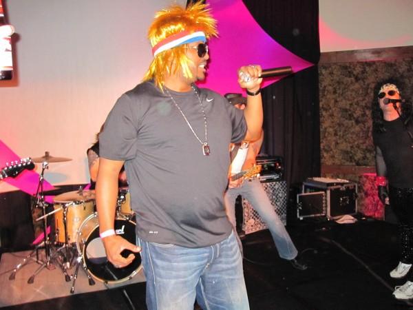 hot_tub_time_machine_lake_tahoe_80s_party_craig_robinson_jesses_girl_09