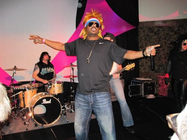 hot_tub_time_machine_lake_tahoe_80s_party_craig_robinson_jesses_girl_10