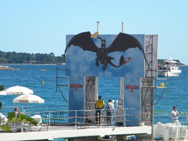 how-to-train-your-dragon-2-poster-cannes-2014