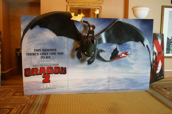 how-to-train-your-dragon-2-theater-standee-