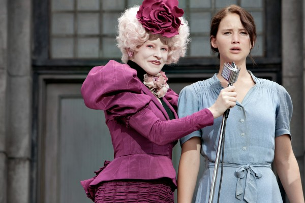 hunger-games-movie-image-elizabeth-banks-jennifer-lawrence-review