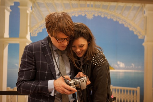 i-origins-image-michael-pitt-astrid-berges-frisbey