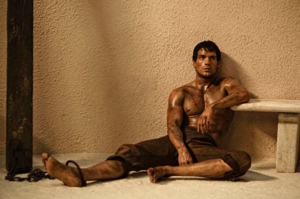 immortals-movie-image-henry-cavill-shackled-01