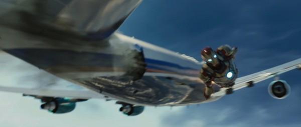 iron-man-3-airplane-rescue