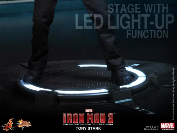 iron-man-3-hot-toys-stage