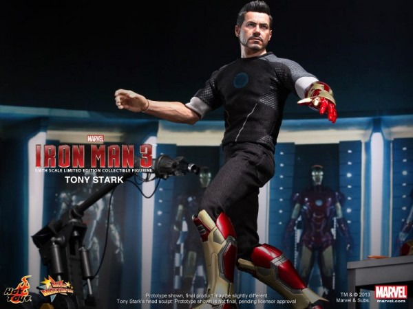 iron-man-3-hot-toys-tony-stark-figure