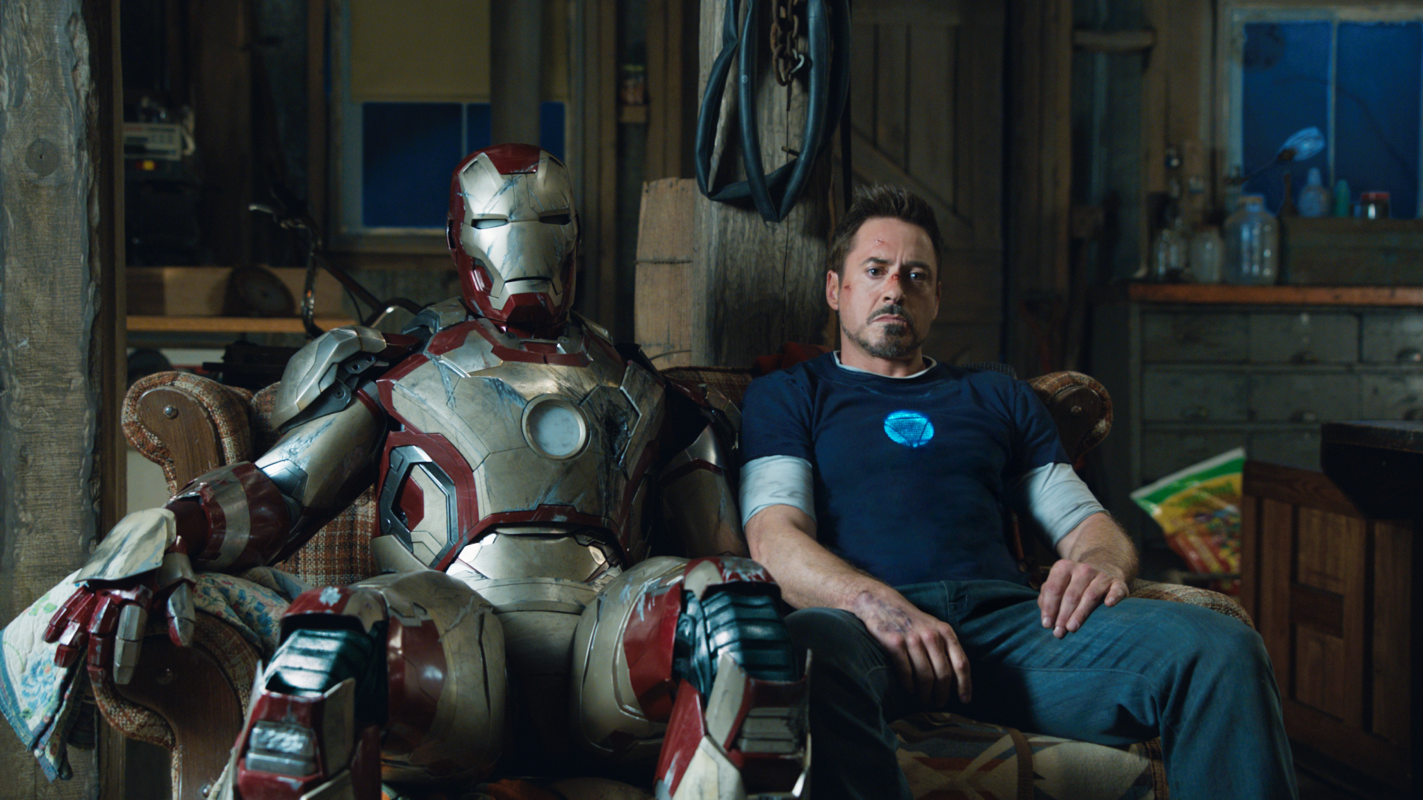 http://collider.com/wp-content/uploads/iron-man-3-tony-stark-robert-downey-jr.jpg