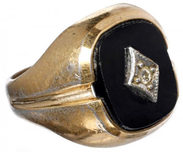 iron-man-memorabilia-obediah-stane-pinky-ring-01
