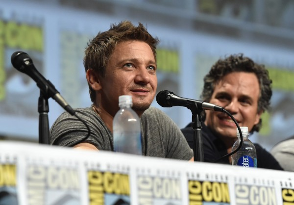 eremy-renner-comic-con